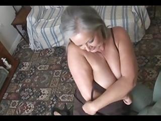 Скачать порно негр пришел к старушки и старушка его соблазнила