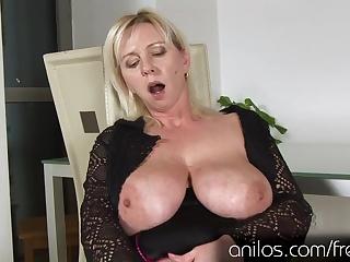 Девушки мастурбируют